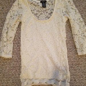 Rue21 cream stretch lace top